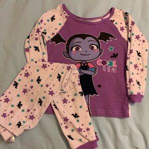 SALE! 5 for $20! Disney's vampirisa pajama set sz5